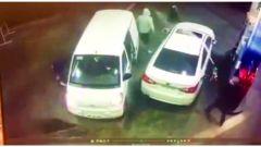 Il video della rapina al distributore virale su YouTube
