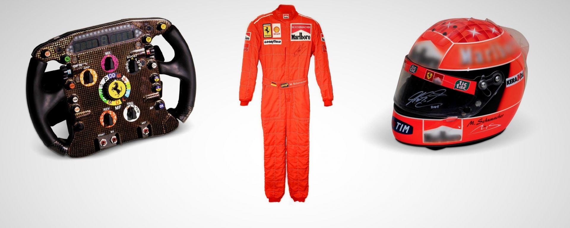Il volante della Ferrari F10, la tuta e il casco di Schumi: all'asta online Memorabilia Formula 1