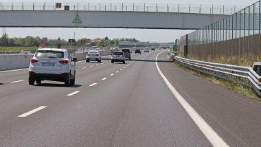 In autostrada la corsia di destra è spesso libera