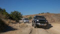 In offroad con la Land Rover Defender 110