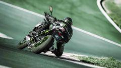 In piega con la Kawasaki Z900 m.y. 2021