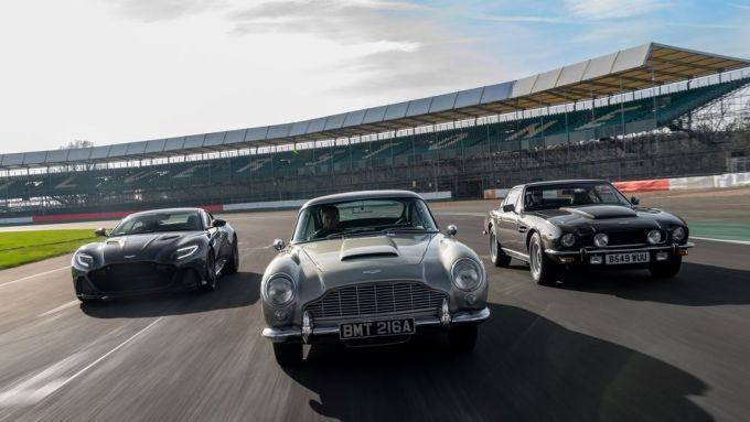 In pista le Aston Martin di 007: No Time To Die