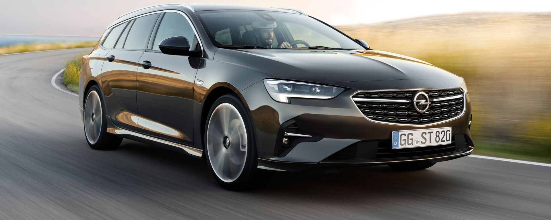 In prova con la nuova Opel Insignia Sports Tourer