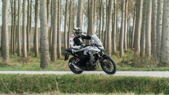 In sella alla Honda CB500X 2021