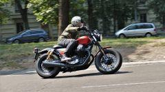 In sella alla Moto Guzzi V9 Bobber Sport 2019