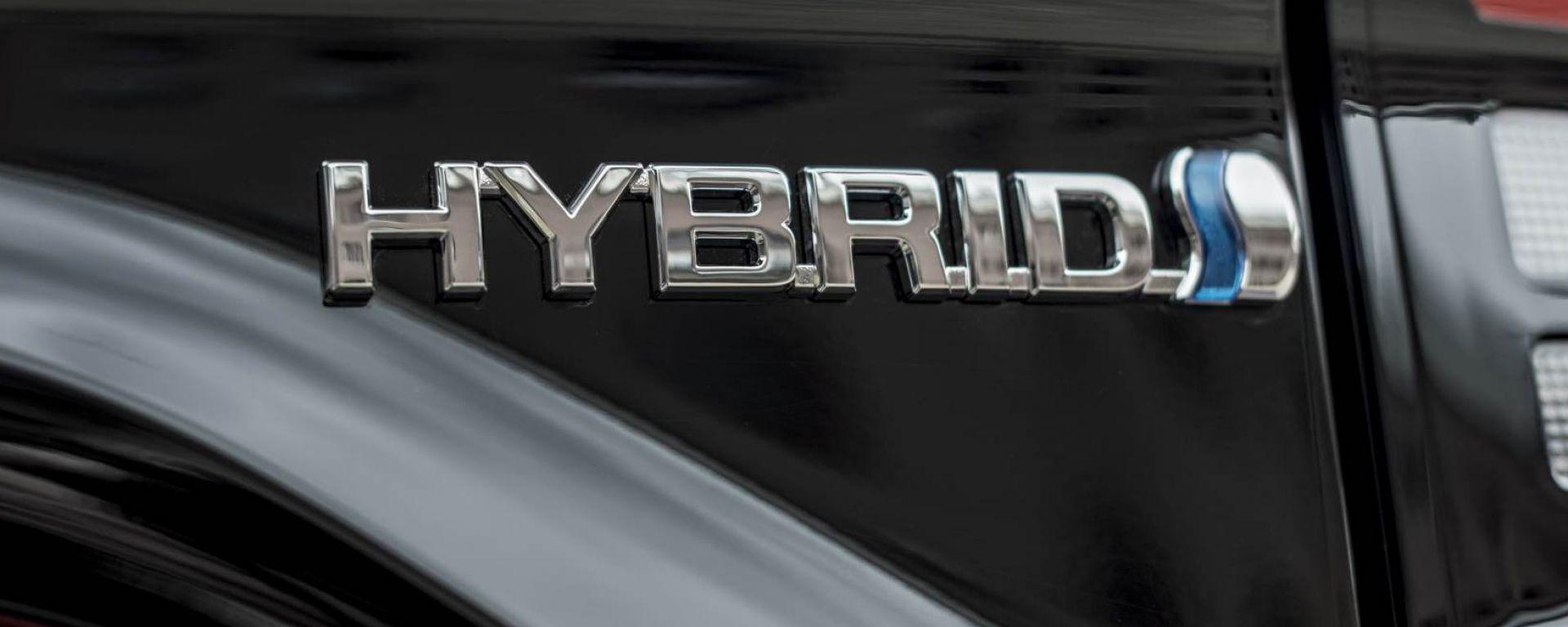 Incentivi auto 2020, nuova fascia per le ibride