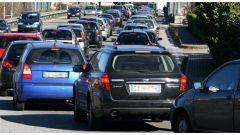 Incentivi all'acquisto di auto nuova, Governo non esclude piano rottamazione