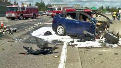 Modelli Tesla non hanno la scatola nera: perizie incidenti complicate
