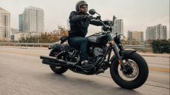 Indian Chief Bobber Dark Horse 2022 in azione