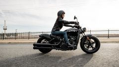 Indian Scout Bobber Sixty in azione