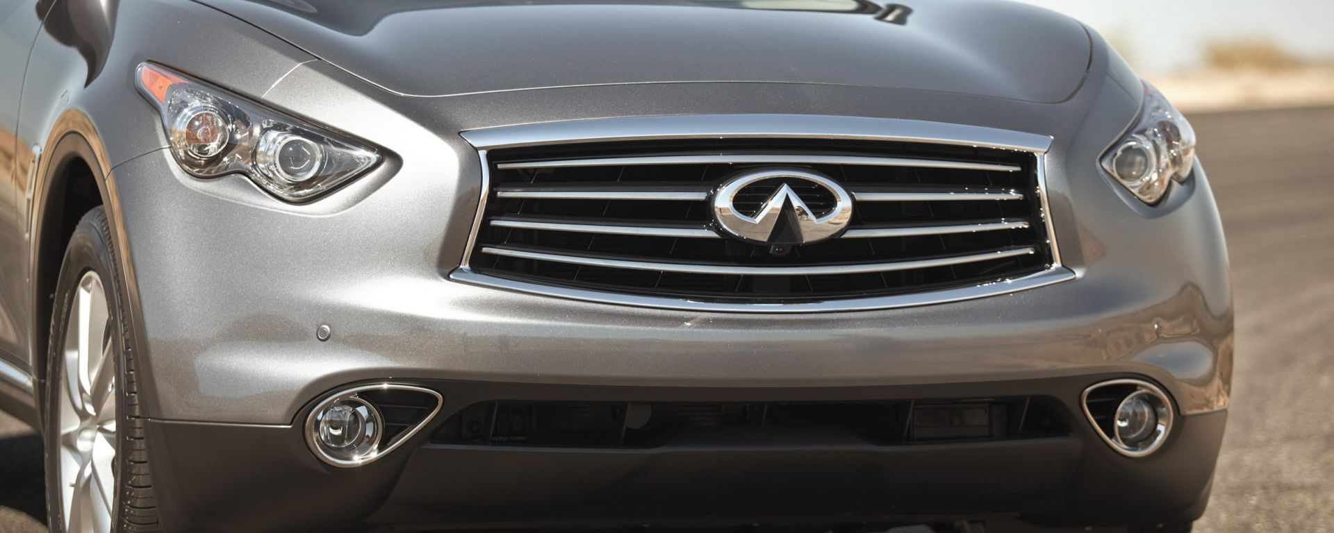 Infiniti FX my 2012, ora anche in video