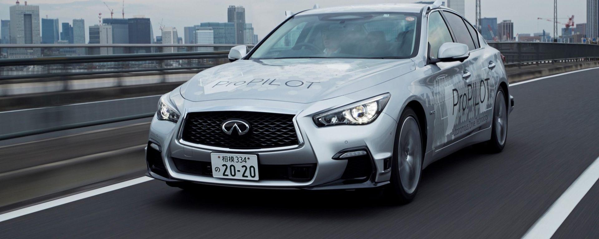 Infiniti Q50 con ProPilot circola a Tokyo