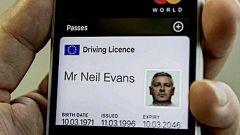 Inghilterra, addio patente fisica: si guarda dallo smartphone