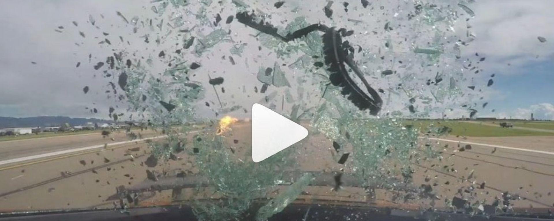 Instagram: l'Audi R8 è troppo pimpata e il vetro esplode
