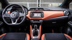 Interni abitacolo con il sistema di infotainment e la plancia - Nissan Micra My 2017