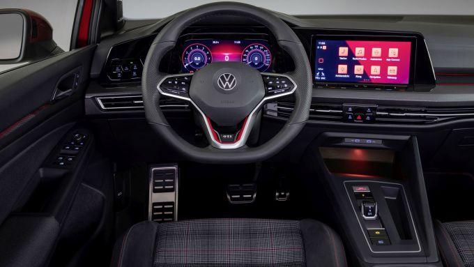 Interni della Golf GTI
