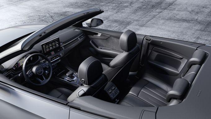 Interni e infotainment della nuova Audi A5 2020 Cabriolet
