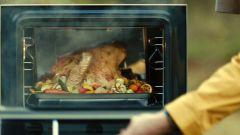 Ioniq 5 alimentatore universale: alle prese di bordo si può far funzionare persino un forno