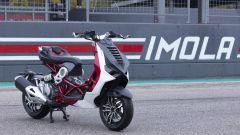 Italjet Dragster: la foto sulla pit lane di Imola