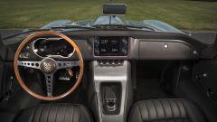 Jaguar E-type Zero: la plancia in fibra di carbonio