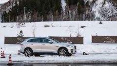 Jaguar F Pace 2019: upgrade per interni e adas ma la SVR... - Immagine: 12