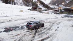 Jaguar F Pace 2019: upgrade per interni e adas ma la SVR... - Immagine: 19