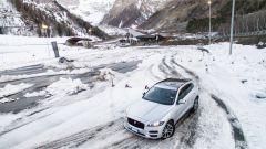Jaguar F Pace 2019: upgrade per interni e adas ma la SVR... - Immagine: 22