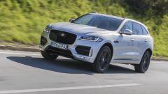 Jaguar F-Pace 2.0d 4WD: bastano 180 cavalli su una SUV sportiva? Guarda il video - Immagine: 6