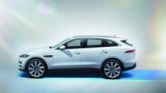 Jaguar F-Pace 2.0d 4WD: bastano 180 cavalli su una SUV sportiva? Guarda il video - Immagine: 21