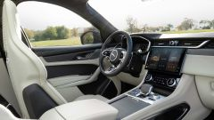 Jaguar F-Pace SVR 2021: abitacolo anteriore