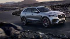 Jaguar F-Pace SVR: scatto da... leopardo - Immagine: 2