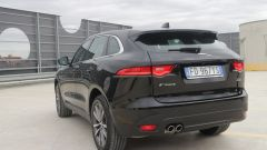 Jaguar F-Pace vs Mercedes GLC. Guarda il video - Immagine: 14