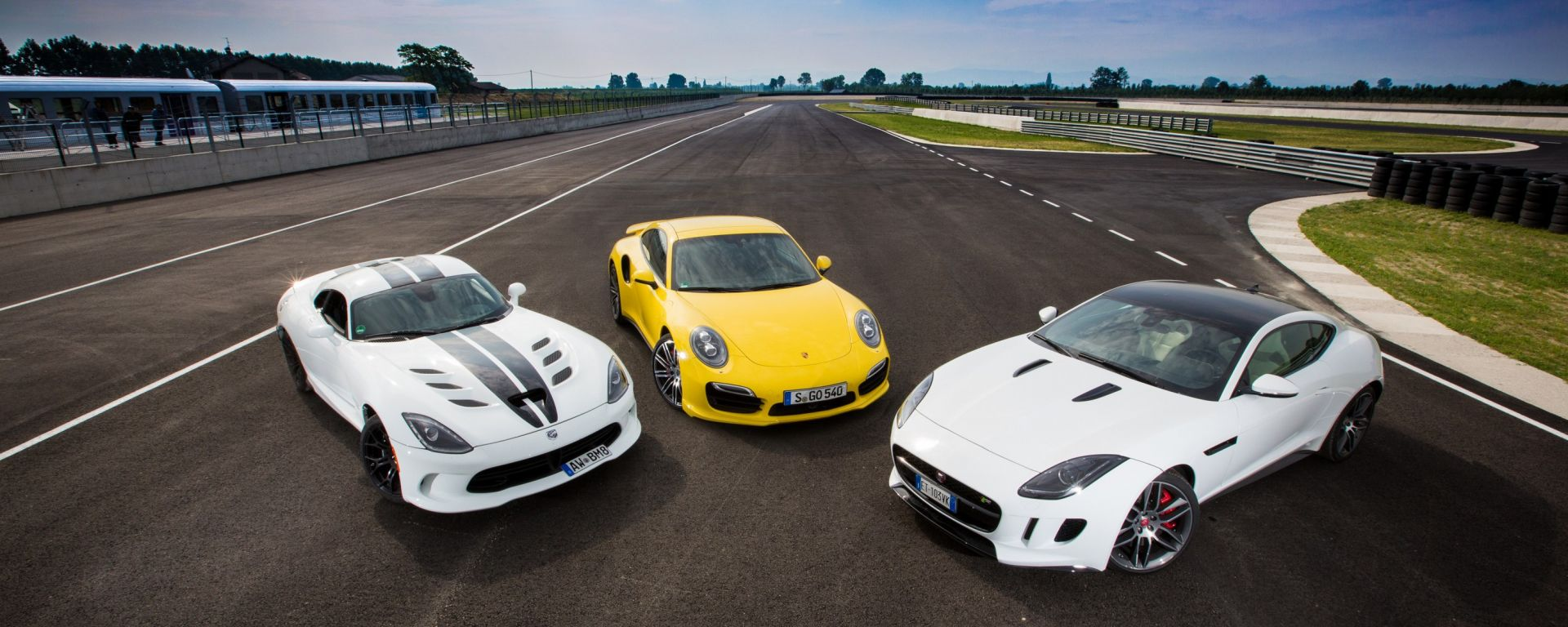 SRT Viper vs Porsche 911 Turbo vs Jaguar F-Type R