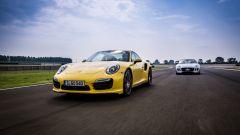 SRT Viper vs Porsche 911 Turbo vs Jaguar F-Type R - Immagine: 10