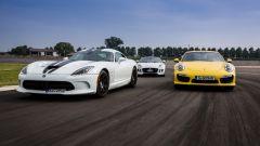 SRT Viper vs Porsche 911 Turbo vs Jaguar F-Type R - Immagine: 16
