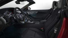 Jaguar F-Typer R-Dynamic Black sedili anteriori
