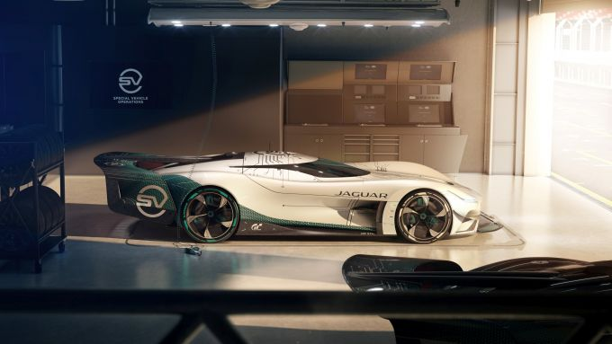 Jaguar GT SV: l'auto nei box