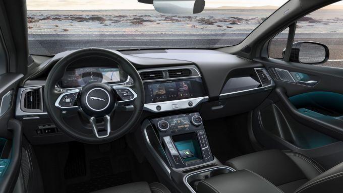Jaguar I-Pace: gli interni
