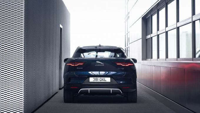 Jaguar I-Pace: visuale posteriore