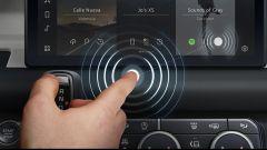 VIDEO: Jaguar Land Rover e il touchscreen contactless anti Covid