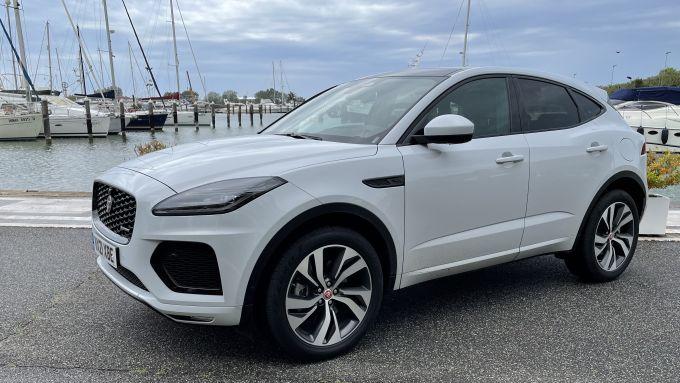 Jaguar Land Rover nuova gamma: il SUV compatto E-Pace nella versione ibrida alla spina