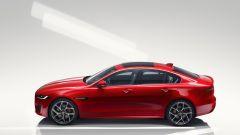 Nuova Jaguar XE 2019, cambia look la berlina del Giaguaro - Immagine: 2