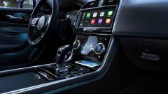 Nuova Jaguar XE 2019, cambia look la berlina del Giaguaro - Immagine: 8