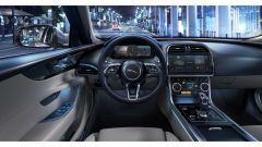 Jaguar XE 2021: gli interni