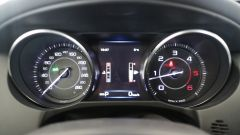 Jaguar XE 2.0d Prestige - Immagine: 12