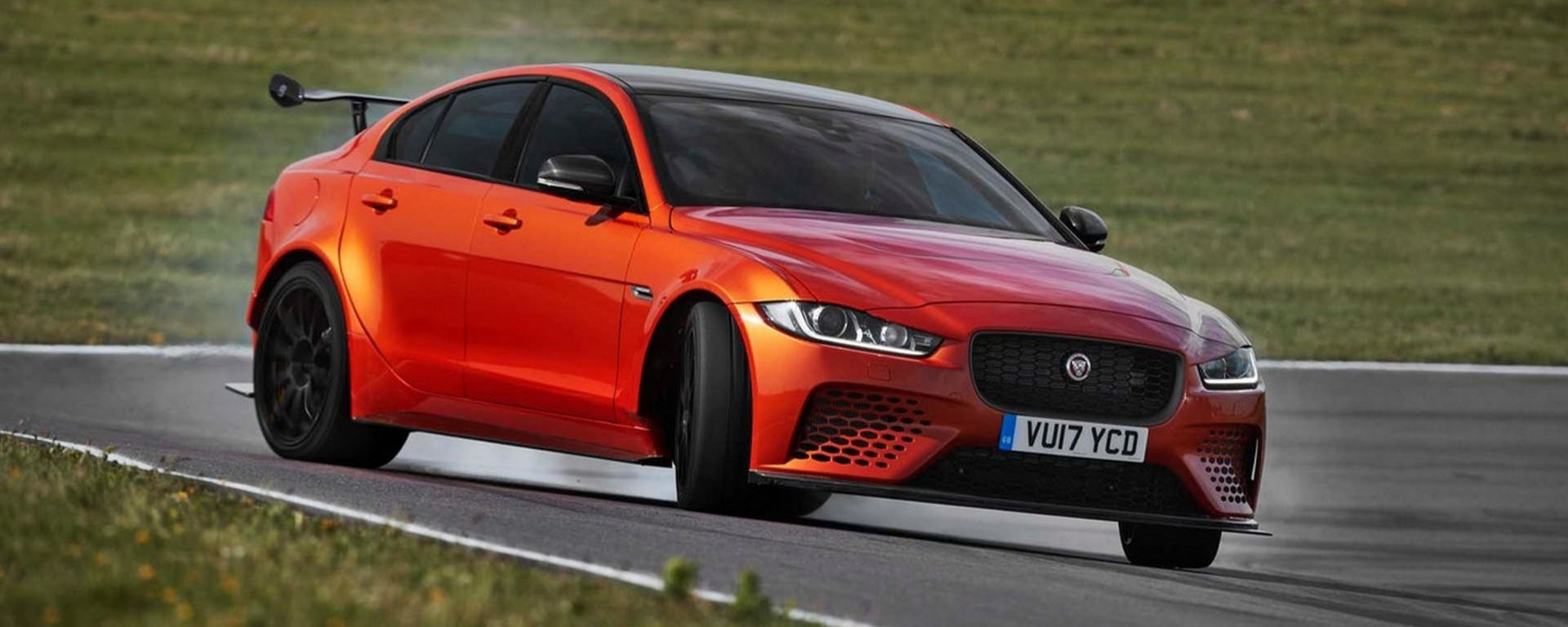 Jaguar XE SV Project 8: a Goodwood il giaguaro più potente