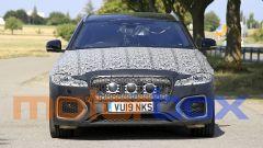 Jaguar XF Sportbrake facelift: visuale frontale