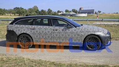 Jaguar XF Sportbrake facelift: visuale laterale