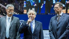 Jean Todt con Chase Carey e Oliver Ciesla