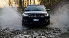 Jeep Compass 4xe in offroad